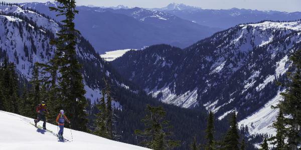Les indispensables du ski de randonnée avec Scott