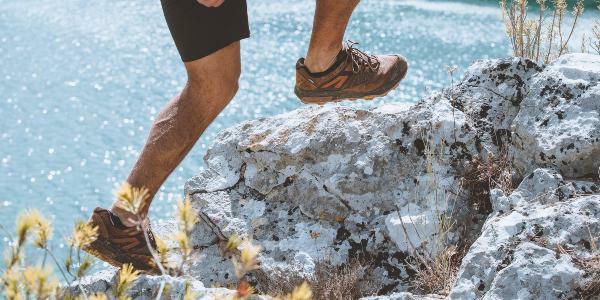Chaussures de randonnée : quelle hauteur de tige privilégier ?